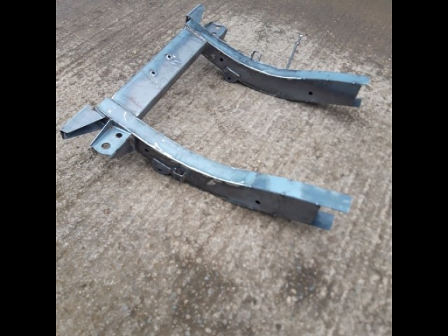 DISCOVERY 2 REAR QUARTER CHASSIS (Product No: 256)