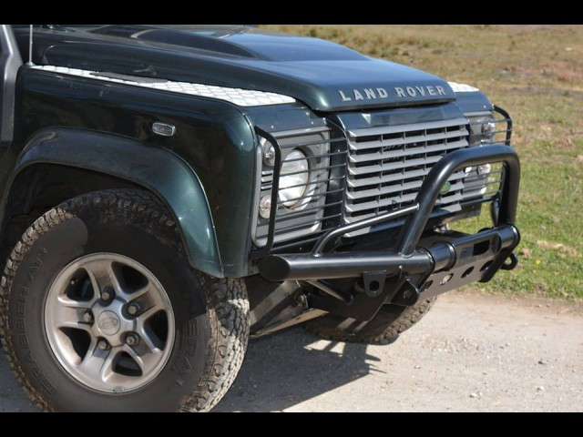 DEFENDER WINCH BUMPER TO FIT AIRCONDITION MODELS (Product No: 75)