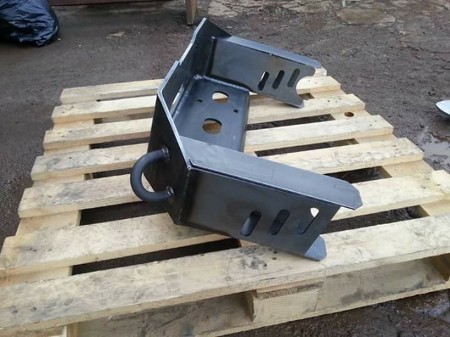 REAR TRAYBACK WINCH TRAY
